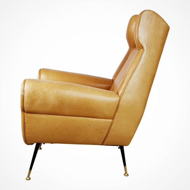 Minotti 1960s Vintage Gigi Radice for Minotti Italian Leather Wingback Chairs- A Pair For Sale - Image 4 of 10