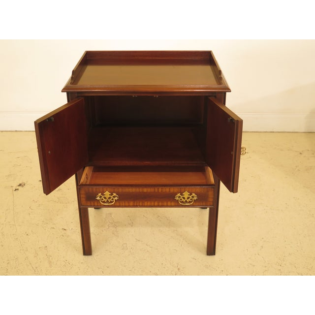 1990s 1990s Vintage Drexel Chippendale Style Mahogany Nightstands - A Pair For Sale - Image 5 of 12