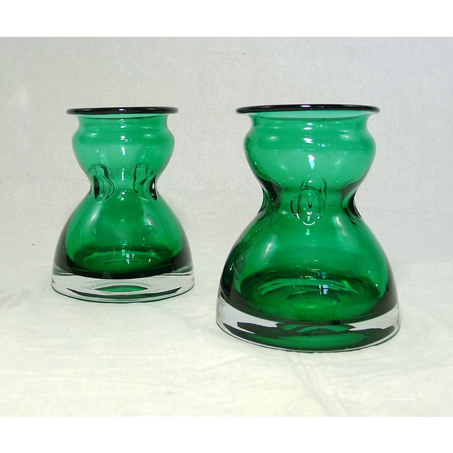Vintage Emerald Green Vases - A Pair - Image 3 of 4