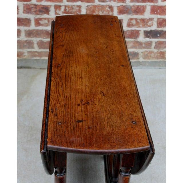 Wood Antique English Traditional Oak Table Drop Leaf Gate Leg Farmhouse Sofa Table For Sale - Image 7 of 13