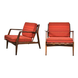 Scandinavian Modern Ib Kofod-Larsen Lounge Chairs for Selig in Red Stripe Fabric a Pair For Sale