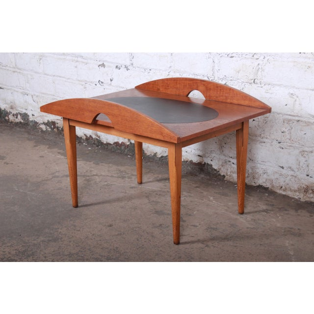 Danish Modern Paul McCobb for Lane Signature Collection Walnut and Leather Occasional Side Table For Sale - Image 3 of 11