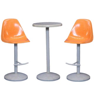 Mid-Century Bar Stool and Table Set in a Saarinen Manner For Sale