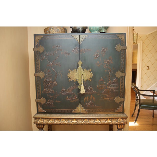 Hunter Green Vintage Chinoiserie Cabinet With Rais - Image 7 of 10