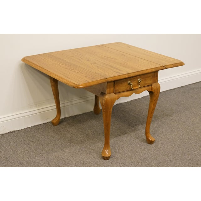 20th Century French Country Mersman Solid Oak Drop Leaf Accent End Table For Sale In Kansas City - Image 6 of 13