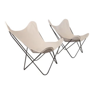 BKF Hardoy Butterfly Chairs for Knoll in Natural Canvas - a Pair For Sale