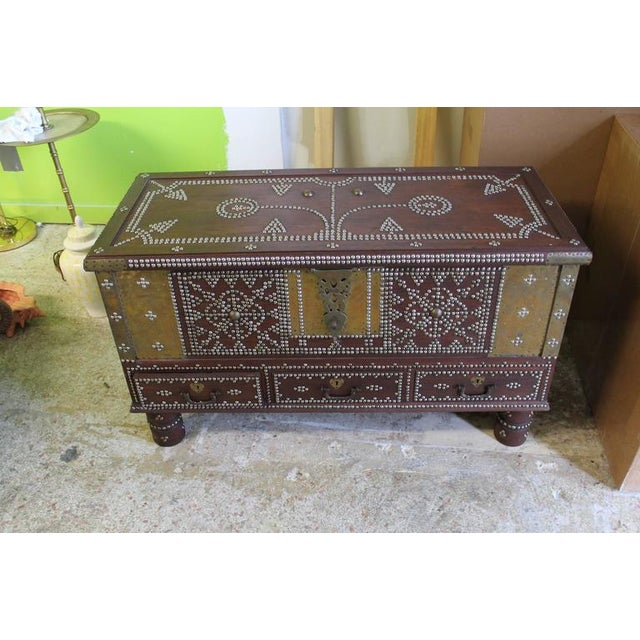 Lovely Zanzibar Arab Wooden And Brass Studded Coffee Cocktail Table - Studded coffee table
