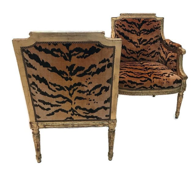 Who doesn't love a sexy tete-a-tete upholstered in orange and black, tiger pattern velvet? Peeling back a corner of the...
