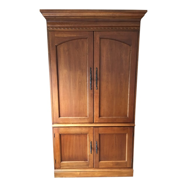 1990s Hooker Furniture Wood Entertainment Center / Armoire For Sale