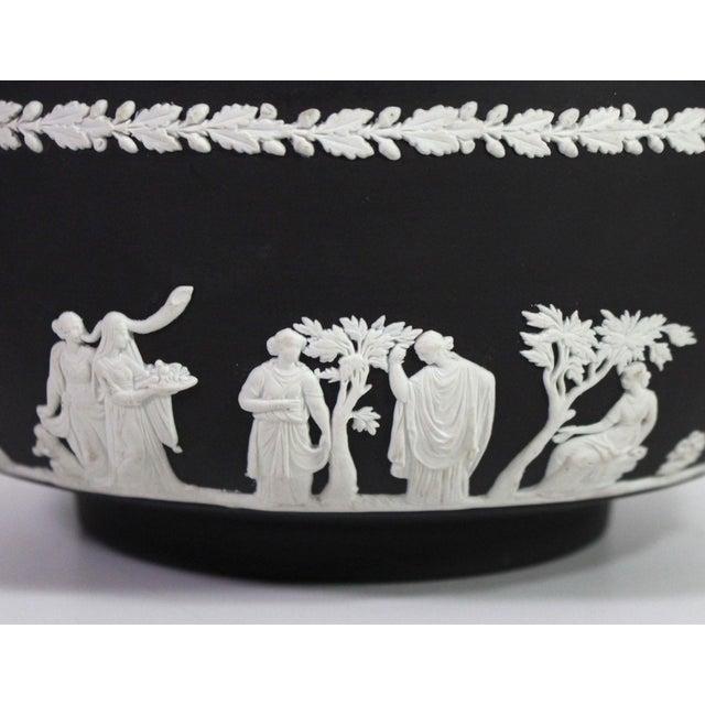 """Wedgwood 1940s Neoclassical Greek Figurative Wedgwood Jasperware Black """"Sacrifice Bowl"""" For Sale - Image 4 of 10"""