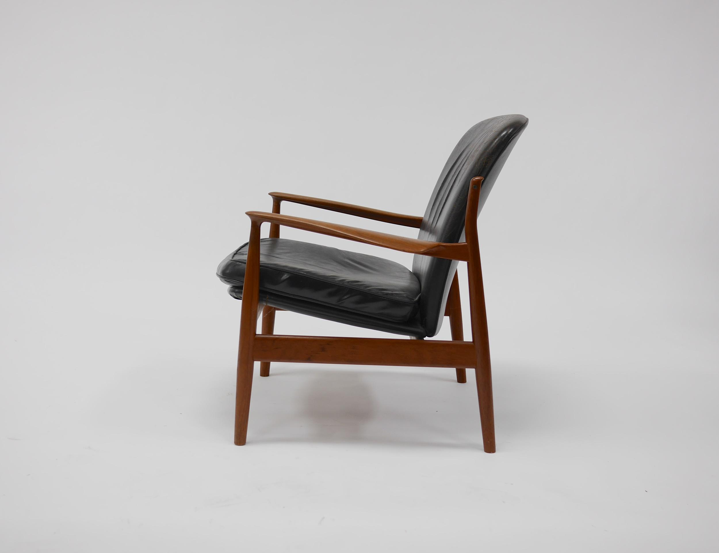 Teak and Leather Lounge Chair by Finn Juhl for France and Daverkosen - Image 5 of  sc 1 st  Decaso & Lovely Teak and Leather Lounge Chair by Finn Juhl for France and ...