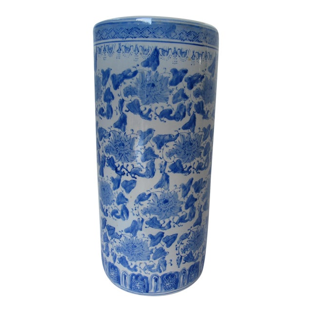 Vintage Blue & White Chinoiserie Umbrella Stand For Sale