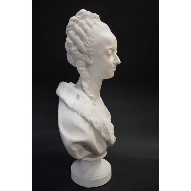 Bisquit Bust of Marie Antionette For Sale - Image 4 of 7