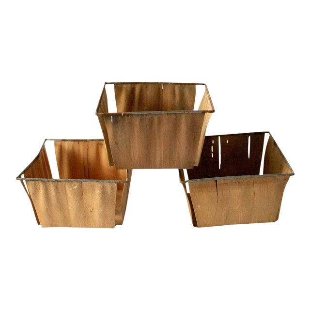 1950s Boho Chic Style Gold Metal Berry Baskets - Set of 3 For Sale