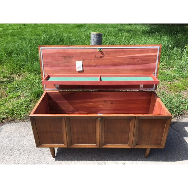 Mid-Century Modern Lane Sweetheart Hope Chest For Sale - Image 3 of 11