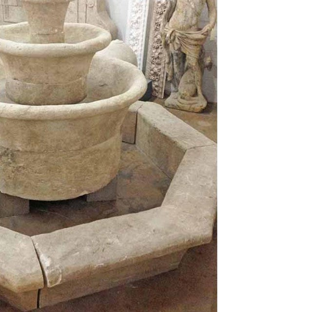 Cascade Ronde with Octagonal Base Surround For Sale - Image 4 of 5