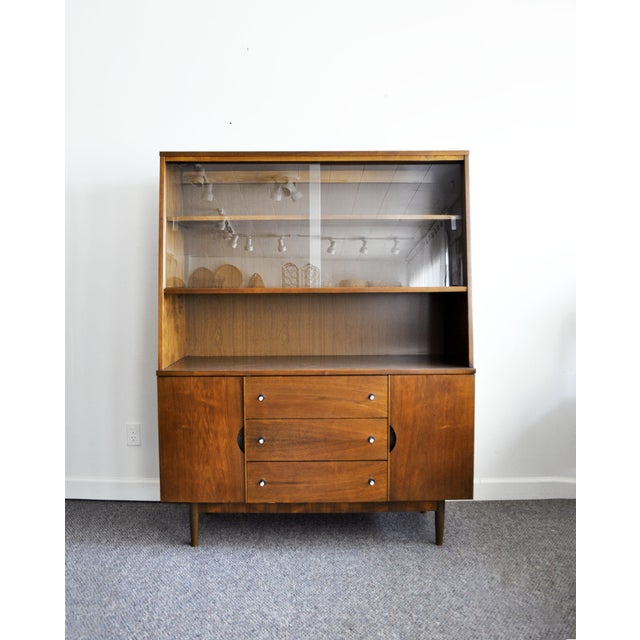 Stanley Furniture Mid-Century Modern Hutch For Sale - Image 11 of 11