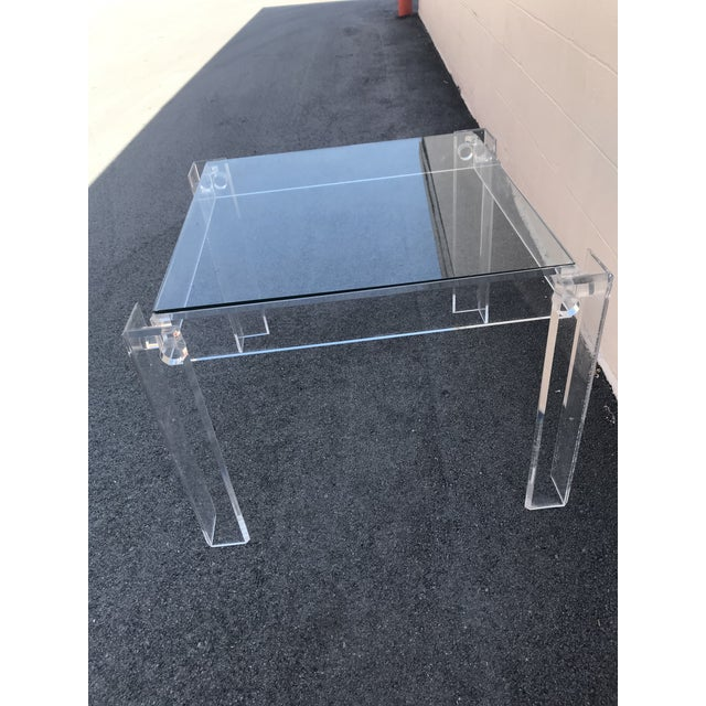 1970s Modern Clear Lucite Table For Sale In Miami - Image 6 of 7