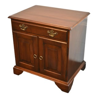 Vintage Traditional Harden Cherry Nightstand For Sale