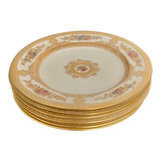 1900's Wedgwood Medallion Gilt Pink Rose Gilt Dessert Plates For Sale