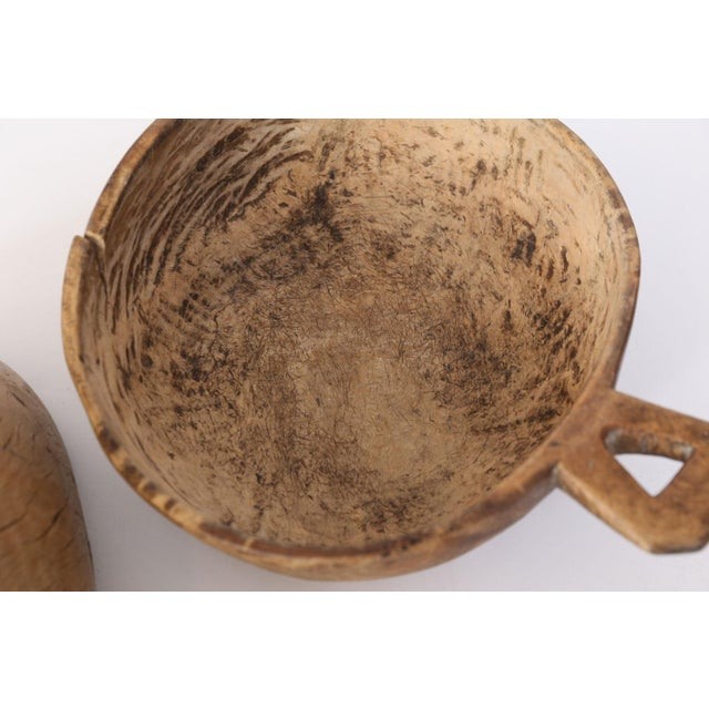 Swedish root wood bowl (19th century): hand-carved round burled root wood bowl with nice patina, coloration and handle....