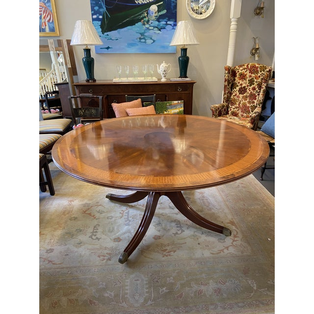 Traditional 1920s Traditional Round Mahogany Dining Table For Sale - Image 3 of 12