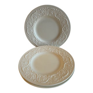 1950s Wedgwood Patrician Embossed Salad Plates - Set of 4 For Sale