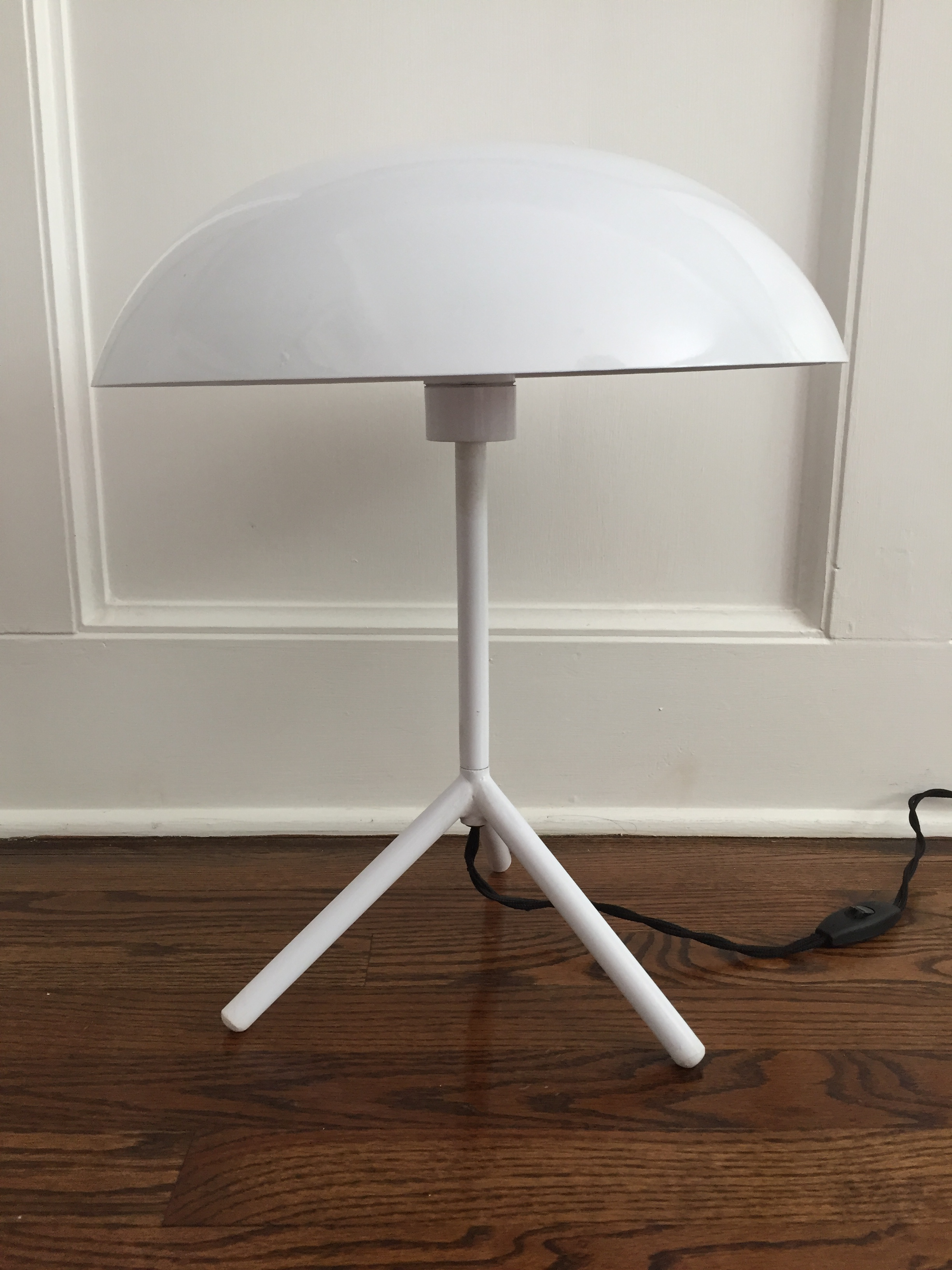 Mid Century Modern White Dome Table Lamp   Image 6 Of 6