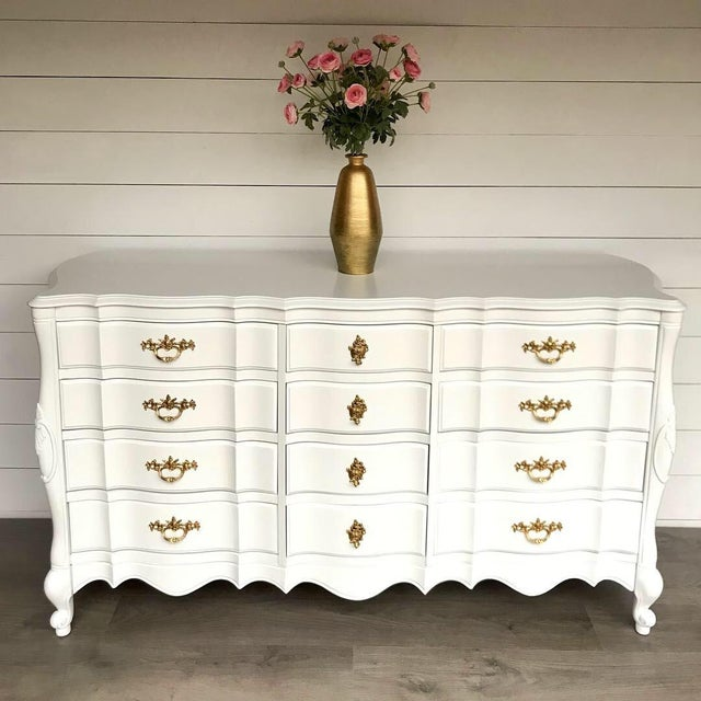 1970s 1970s French Provincial Dresser For Sale - Image 5 of 10