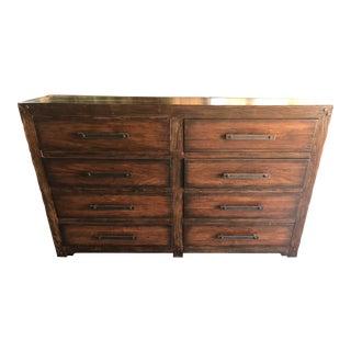 Southwestern Hooker Furniture Bedroom Roslyn County 8-Drawer Dresser For Sale