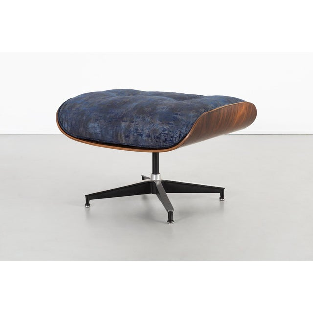 Blue Early Production Eames Rosewood Lounge Chair and Ottoman For Sale - Image 8 of 13