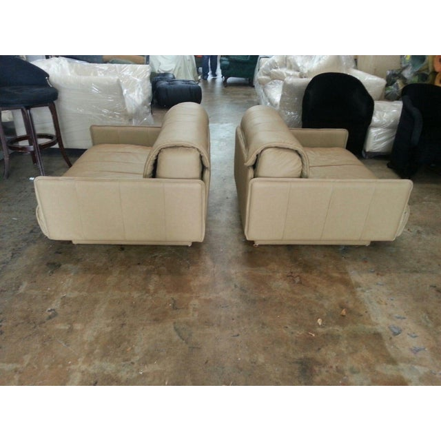 """Pair of De Sede of Switzerland """"1986"""" Oversized Modern Leather Chairs For Sale - Image 11 of 13"""