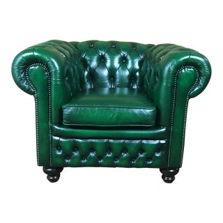 Vintage 20th Century English Traditional Green Leather Chesterfield Club Chair For Sale