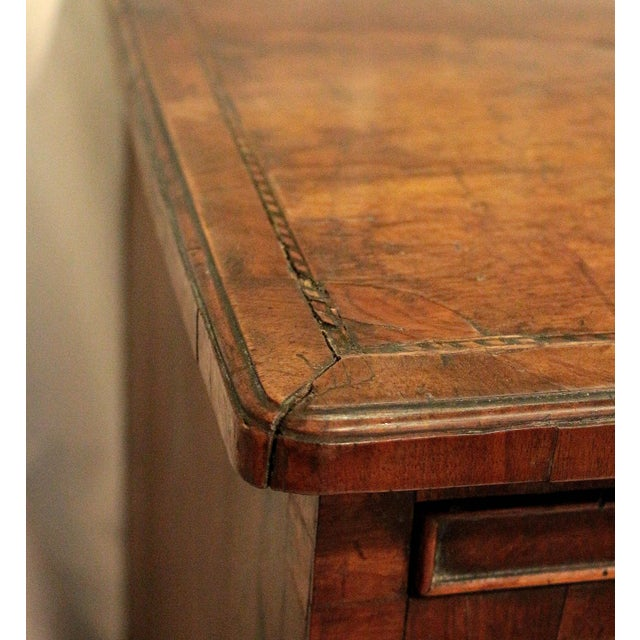 Early 18th Century 18th Century English George II Walnut Bachelor's Chest For Sale - Image 5 of 11