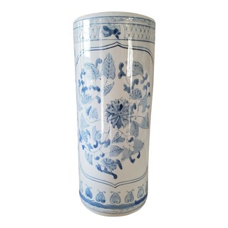 Chinoiserie Blue & White Umbrella Stand For Sale