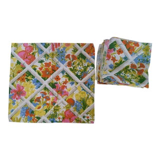 Set of 8- 1960s Faux Bamboo Trellis Chintz Linen Napkins Placemats For Sale