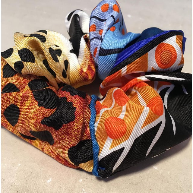 Hermès Hermes Handmade Baobab Cat Silk Scarf Scrunchie in Bright Blues and Oranges For Sale - Image 4 of 13