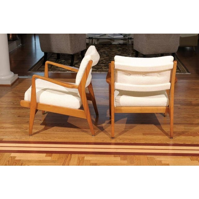 Wood Restored Pair of Maple Loungers by Jens Risom For Sale - Image 7 of 10