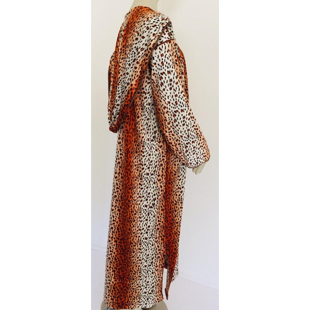1970s Moroccan Hooded Caftan Animal Print Djellabah Kaftan For Sale - Image 9 of 12