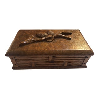 Mid 20th Century English Wood Box With Carved Acorns For Sale