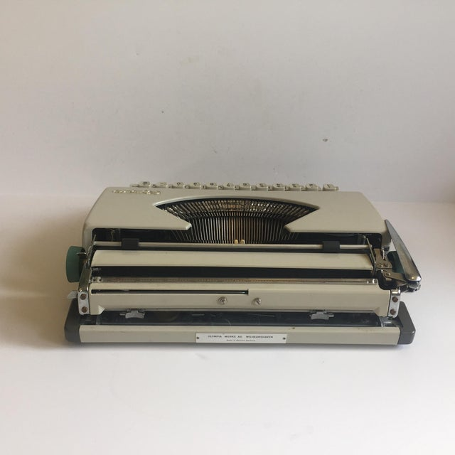 Vintage Olympia De Luxe Typewriter Germany - Image 8 of 11