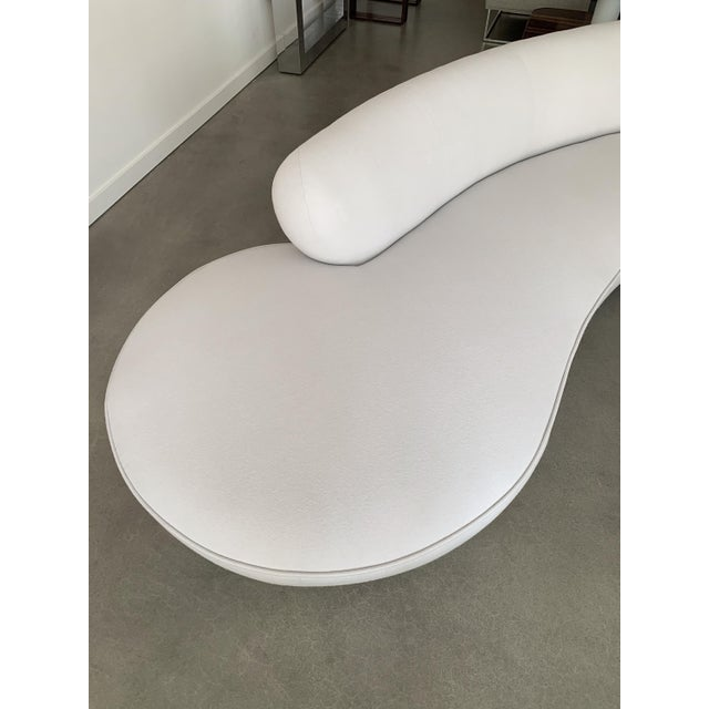 Vladimir Kagan Serpentine Sofa for Directional For Sale - Image 9 of 13