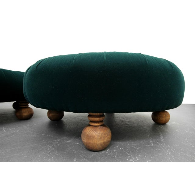 Antique Emerald Green Velvet Round Button Pleated Ottomans - A Pair For Sale In Las Vegas - Image 6 of 7