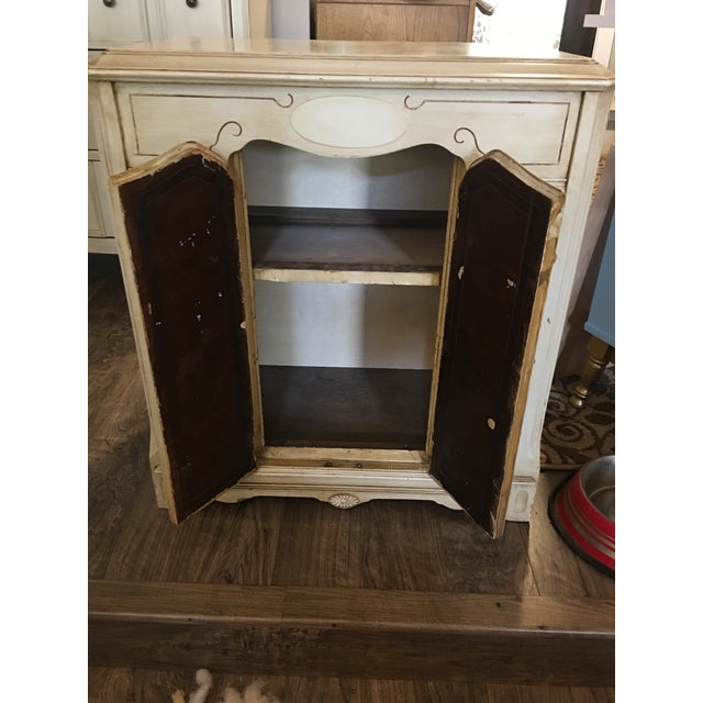 Vintage French Provincial Style Cabinet - Image 4 of 7