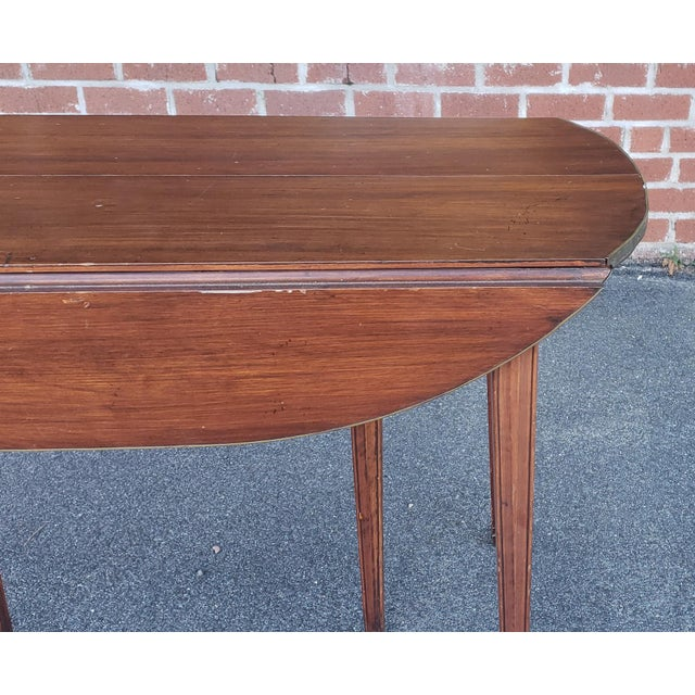 Gold 20th Century Mahogany Regency Style Brass Edge Drop Leaf Dining Room Table W/ 4 Leaves C1950 For Sale - Image 8 of 13