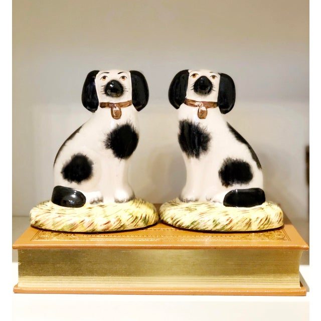 Staffordshire Spaniel Dog Figurines - a Pair For Sale - Image 6 of 6