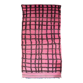 Moroccan Hand Knotted Pink Geometric Rug - 5' X 9' For Sale