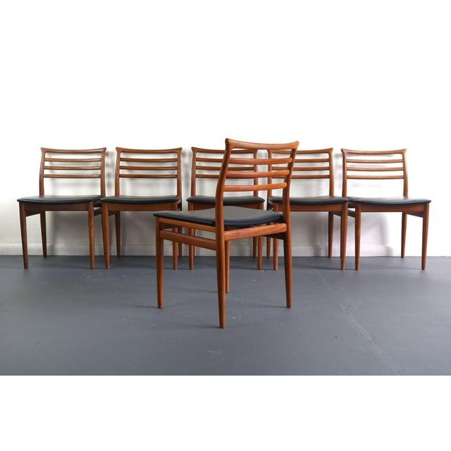 These chairs are made of solid teak and finished with a black vinyl fabric. The teak is an 8.5 or 9 out of 10. The vinyl...