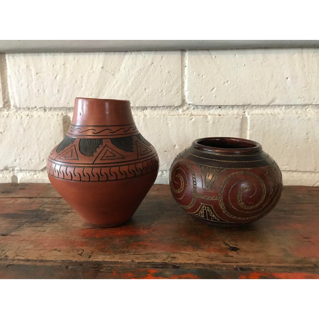 Navajo Brown Pottery Vases - a Pair For Sale - Image 10 of 10