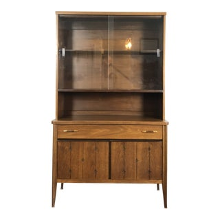 1960s Vintage Broyhill Premier Saga Collection Walnut China Hutch For Sale